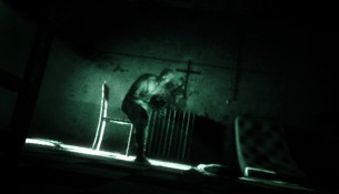 Outlast disponible sur Xbox One
